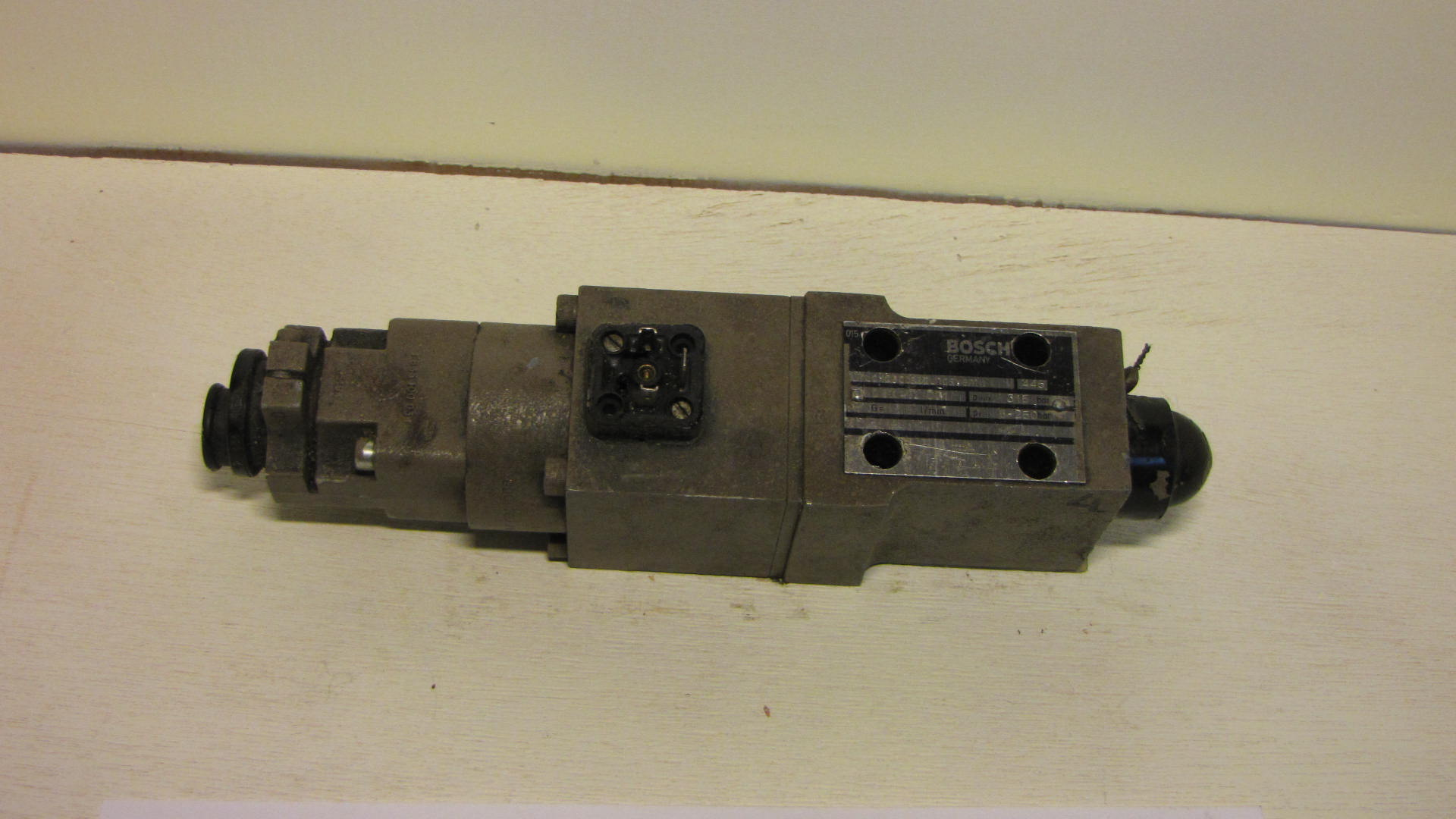 Bosch 0 811-400-001 propotional pressure valve